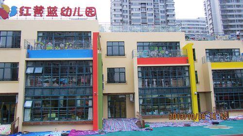 幼儿园粉刷墙面进行时