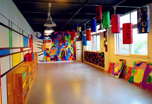 美术教室图片