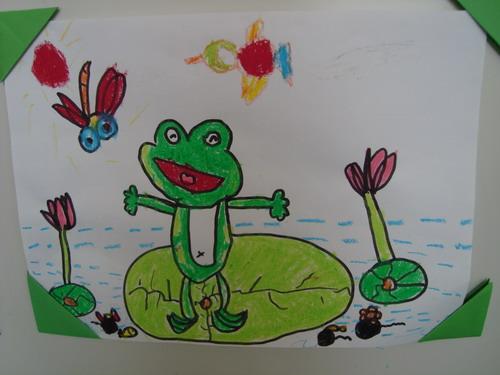 青蛙跳荷叶