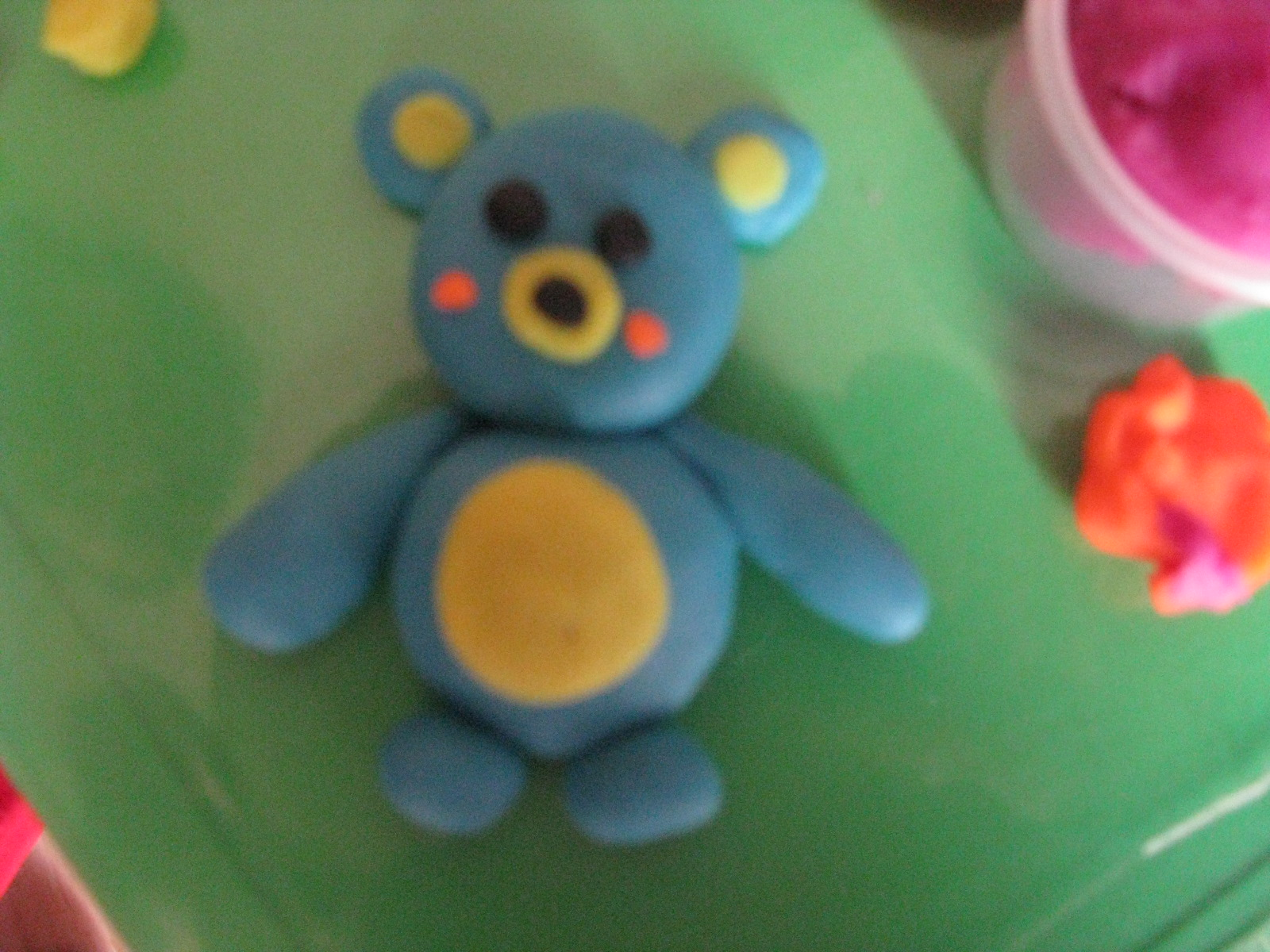 橡皮泥----可爱的小熊