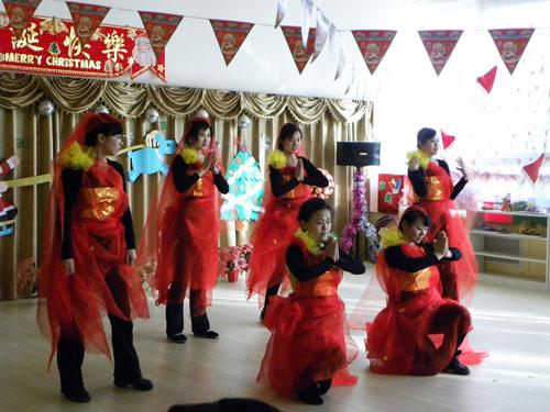 教师印度舞表演 _ 红黄蓝|早教|早教中心图片