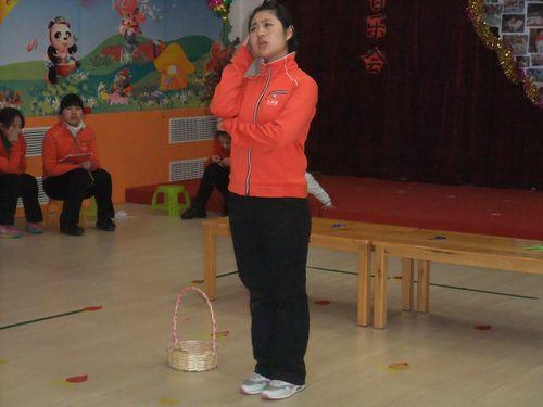 更是吸引的全场老师的目光.-回龙观幼儿园首届教师技能技巧大赛图片