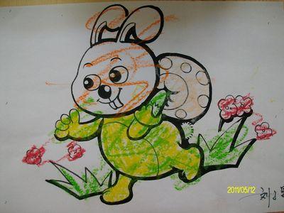 我的小白兔穿的是绿衣服,哈哈-半日班宝宝的小兔子