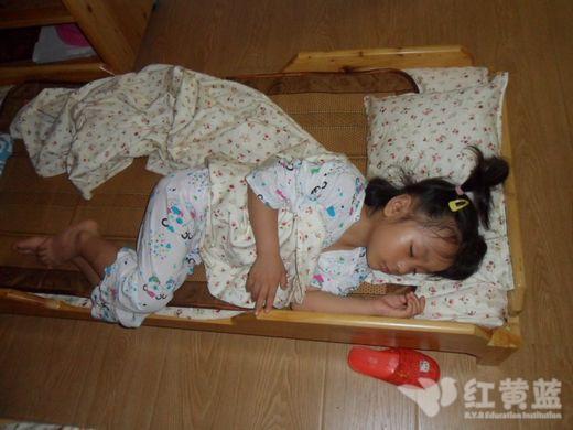 午睡时间 _ 红黄蓝 早教 早教中心图片