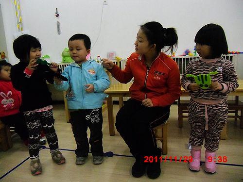 儿歌表演 _ 红黄蓝|早教|早教中心