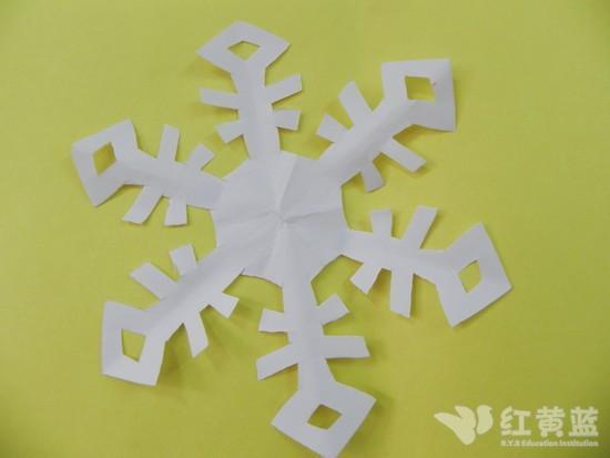 ... 热点新闻 > 剪纸雪花_剪纸雪花教程_剪纸雪花步骤图
