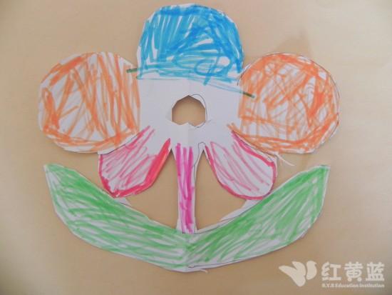 对称剪纸——小花 _ 红黄蓝|早教|早教中心