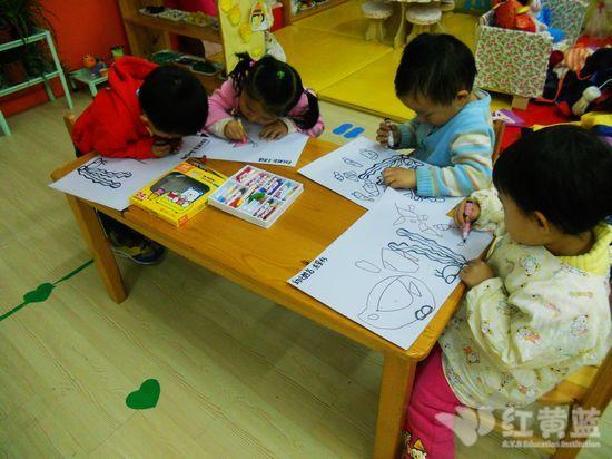 儿童画海底世界图片; 中班美术兴趣班范画;