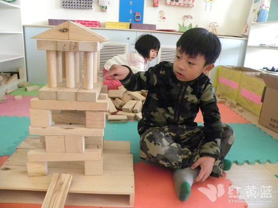 搭建幼儿园 _ 红黄蓝|早教|早教中心