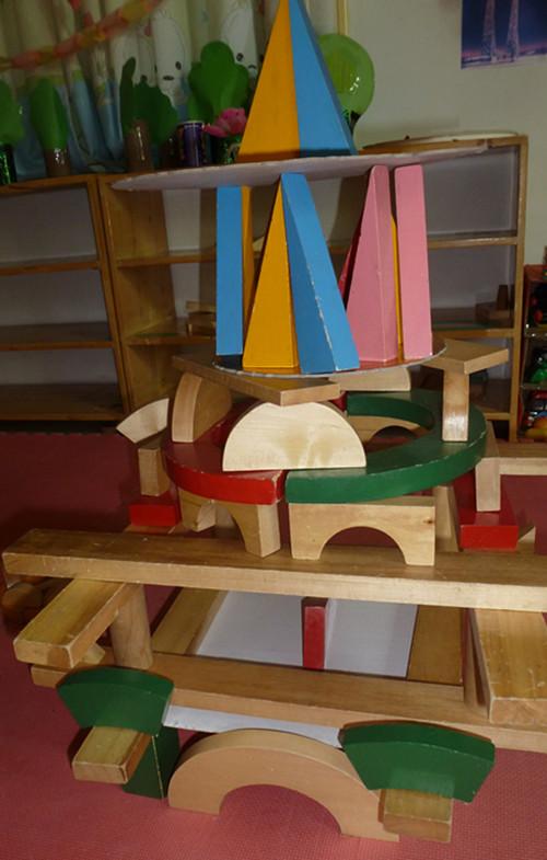 我们搭建的幼儿园