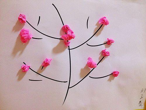 小桃花; 准备了一些粉色的皱纹纸
