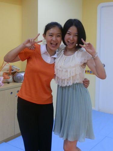 美女燕燕和妍妍