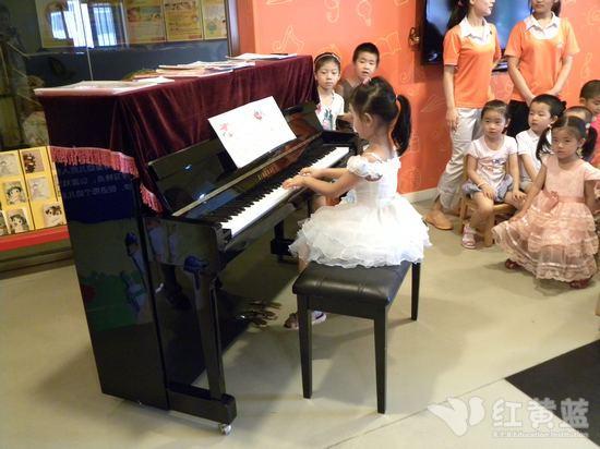 儿童学钢琴视频
