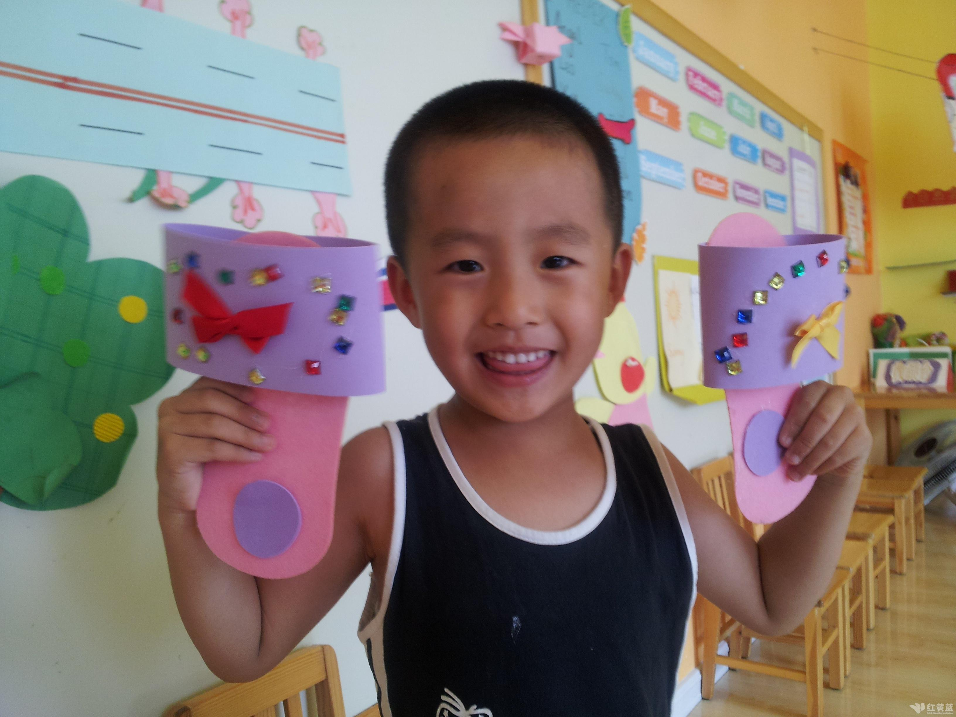 漂亮的拖鞋 _ 红黄蓝|早教|早教中心