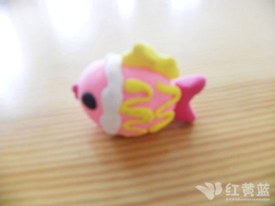 幼儿园老师热带鱼剪贴画