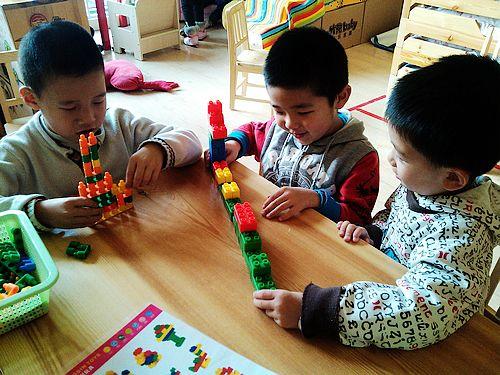 幼儿园的快乐生活  不管怎样的玩具