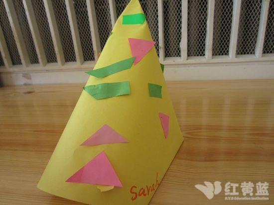 看我的圣诞帽装饰的五颜六色的-小小圣诞帽图片
