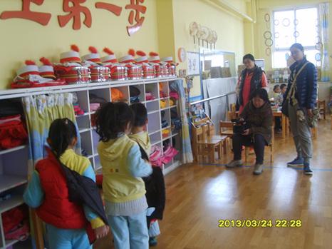 青岛红黄蓝万福幼儿园——欢迎青岛电视台记者来我园参观