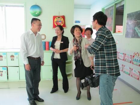 青岛红黄蓝春之都幼儿园---区卫生局领导来园视察