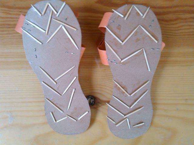 友为自己设计的防滑鞋底.-我们的小拖鞋
