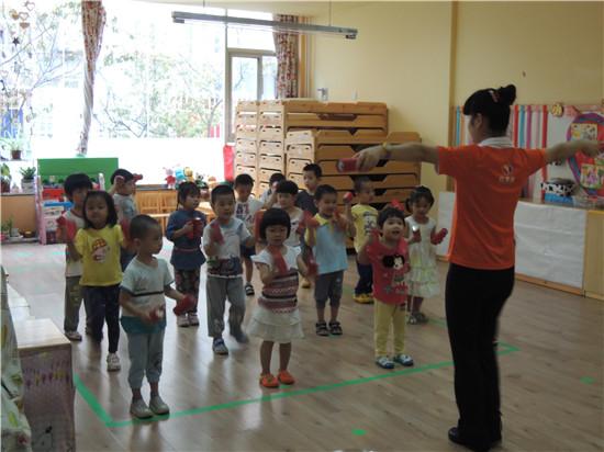 排练舞蹈 _ 红黄蓝 早教 早教中心