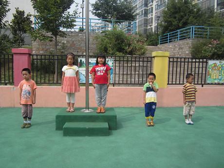 走上升旗台——万福幼儿园第二周升旗仪式