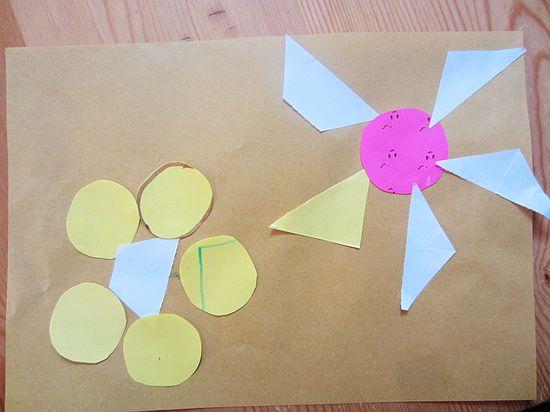老师今天给我们带来了好多的图形,有大大小小的圆形、三角形、梯形、椭圆形、长方形、平行四边形。我们一起来然认识了这些图形,然后老师让我们用这些大大小小图形。拼出好看的画,并说出每个图形都用了几个。这些可难不倒我们,看看我们的作品吧,一朵比一朵漂亮的。我们还能说出每个图形我们都用了几个呢。 几何图形拼贴画是指将几何图形拼成各种不同的事物,然后进行想象和添画,从而培养孩子的创造能力及绘画能力,是一种简单且很受宝宝喜欢的绘画形式。