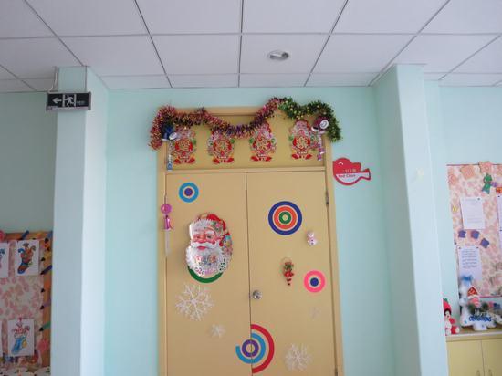 幼儿园大门圣诞节拉花装饰