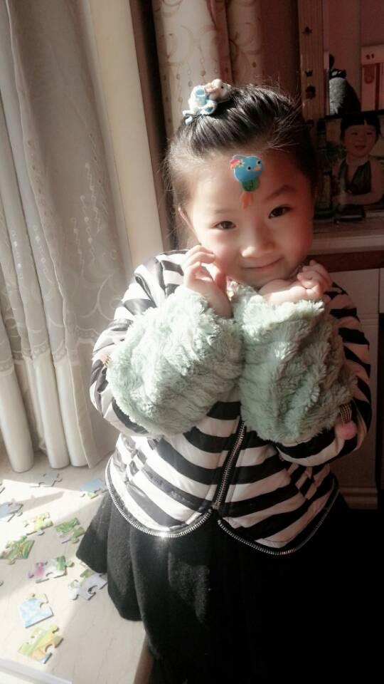 可爱的小女孩儿 _ 红黄蓝|早教|早教中心