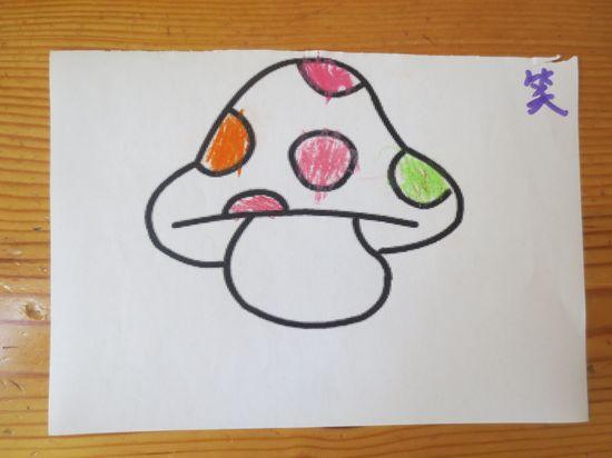 简笔画蘑菇房白云