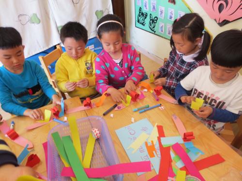 青岛红黄蓝春之都幼儿园蓝一班母亲节礼物