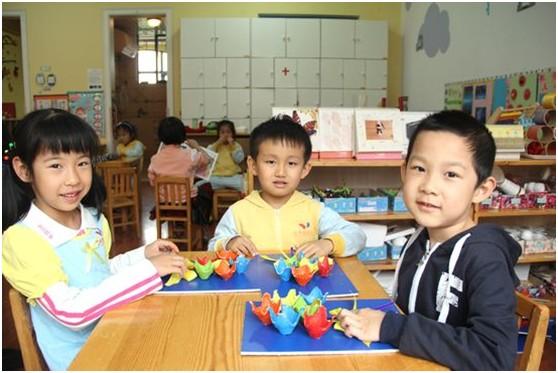 红黄蓝幼儿园母亲节活动