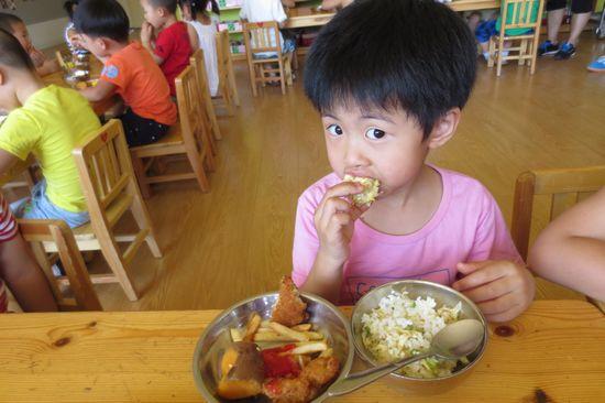 幼儿园里的自助餐 _ 红黄蓝|早教|早教中心