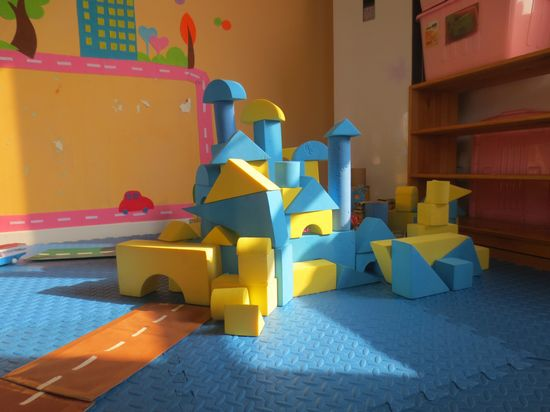 兒童城堡房子搭建圖片