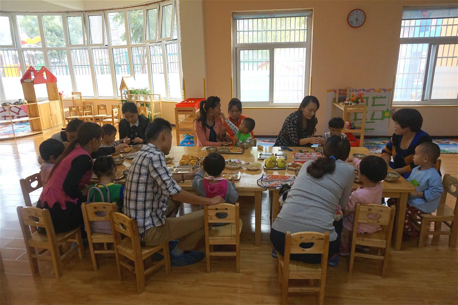 咱们幼儿园邀请宝宝家长试餐活动